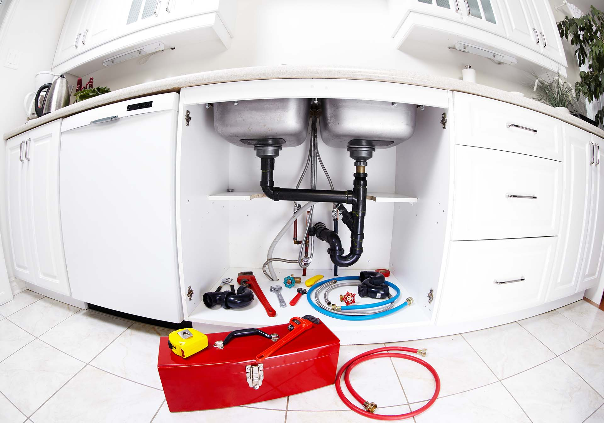 Three Ways to Handle a Plumbing Emergency